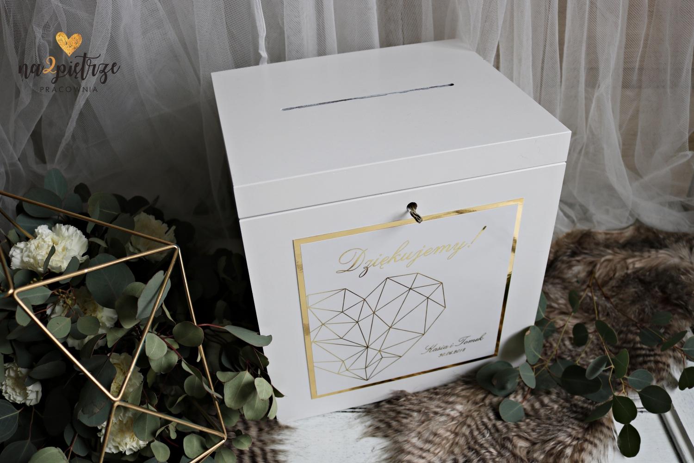 skrzynka na koperty_geometryczne serce_pracownia na 2 piętrze