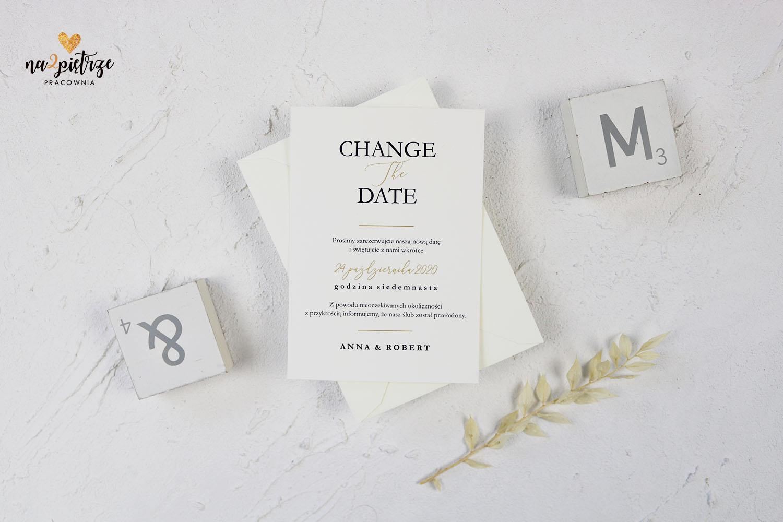 Karta z informacją o zmianie daty ślubu, prosta, minimalistyczna