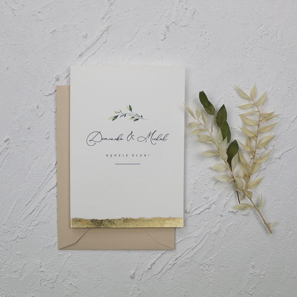 Zaproszenia ślubne białe, z zieloną gałązką, złoconą krawędzią, glamoure
